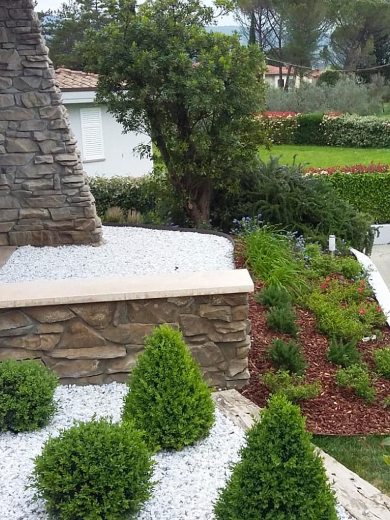 giardino-moderno-lavori-di-giardinaggio-manutenzione