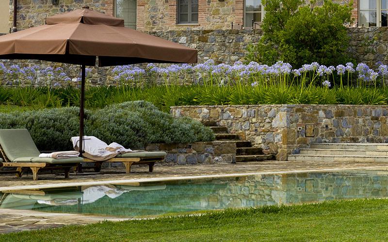 giardino-con-piscina-realizzazione-MATI-1909